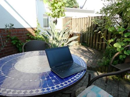 eigenes Zimmer Terrassenbüro P1000088